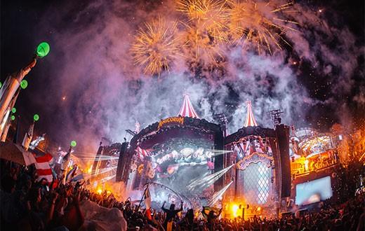 Tomorrowland2018_V6_DtiXi4M-thumbnail-520x330-90